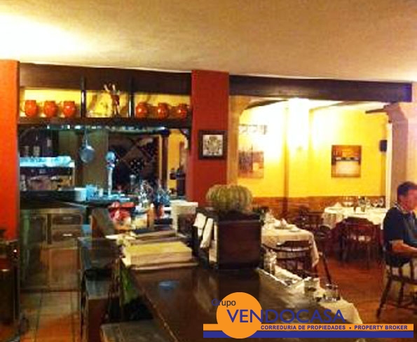 Arenal beach, fully equiped restaurant for rent